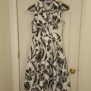 JESSICA HOWARD BLACK AND WHITE FLORAL DRESS SIZE 8